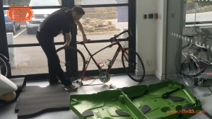 Bike box - remove wheels